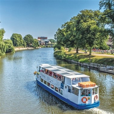 Shrewsbury & an Optional Cruise on the River