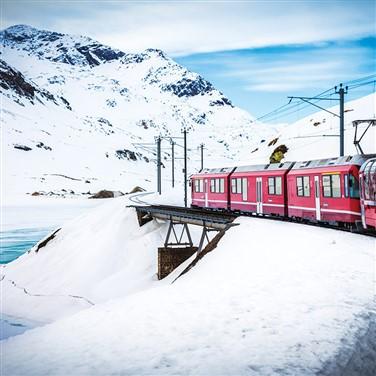 Winter Wonderland on the Swiss Glacier Express2022