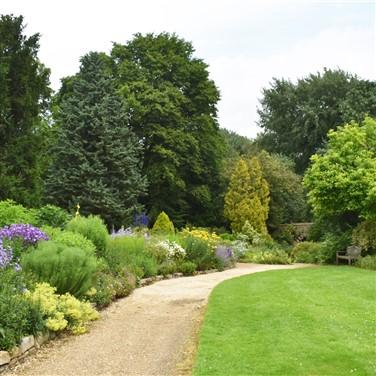 Hampton Court Flower Show ft. Waterperry Gardens