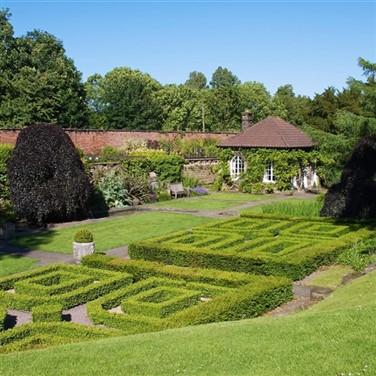 Wentworth Garden Centre & Walled Gardens