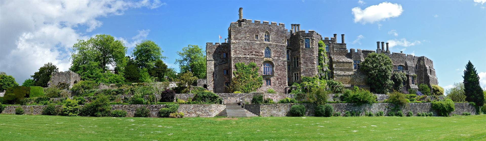 Berkeley Castle & Gardens: Gloucestershire